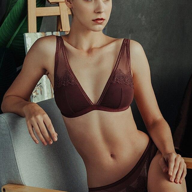 女性のbraletteフレンチ超薄型下着セクシーなレースの刺繍ブラセットバック閉鎖黒のセクシーなランジェリーとパンティーS XL