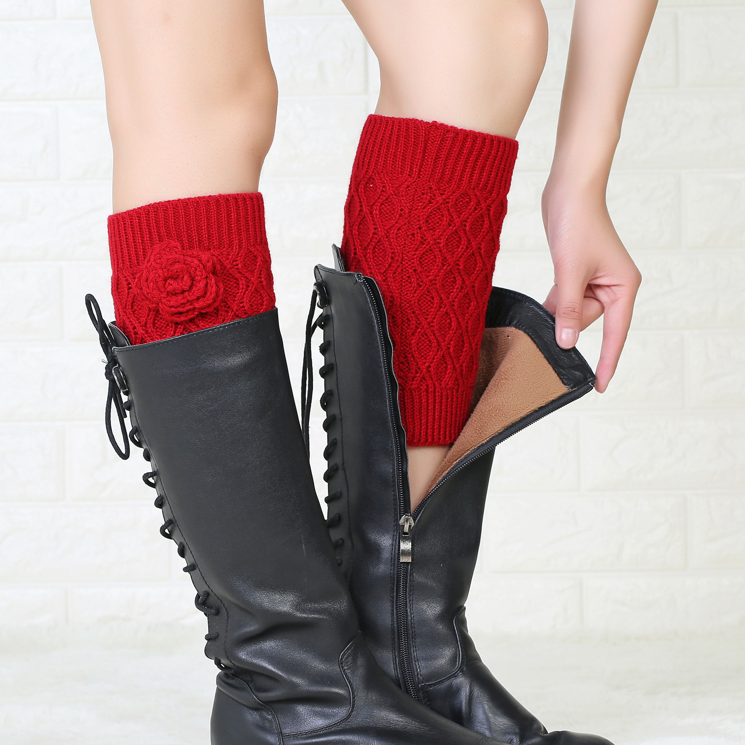 Fashion Ladies Autumn And Winter New Wool Socks Set Handmade Flowers In The Sleeves Knitted Warm Boots Cover Leggings