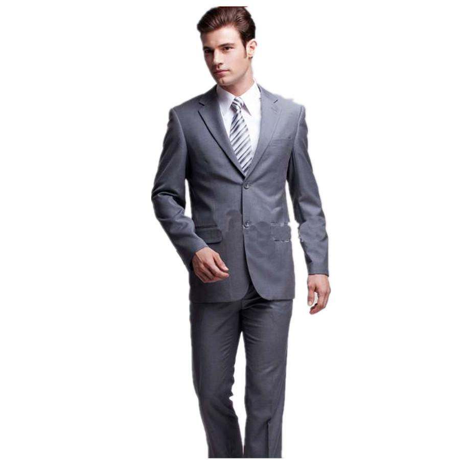 2 Button Suits 2 button suits can be found in all the latest styles at mensUSA. 2 button suits are the most popular style worn today and mensUSA has every style to meet all of your fashion needs. The 2 button business suit is a staple of the well dressed businessman of today.