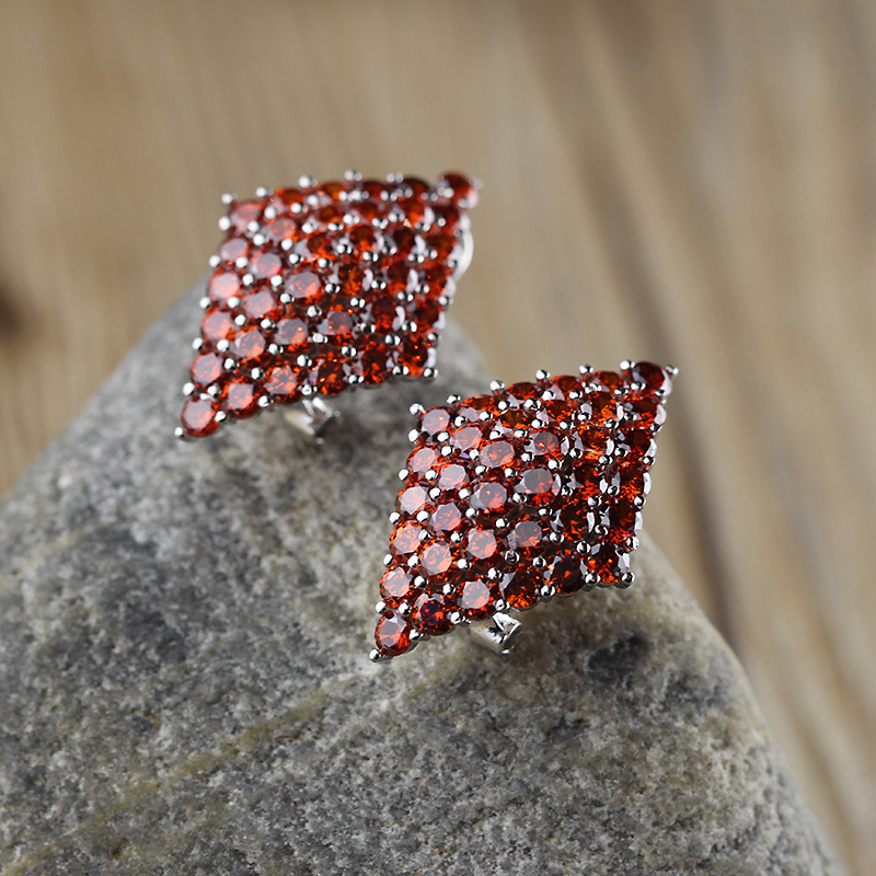 Le caractère de S925 bijoux en argent en gros fine incrustée CZ dames all-match oreille clip exquis éblouissant dîner