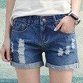 2016 novos das mulheres Coreanas shorts jeans buraco plus size ampla perna calças de brim Azul do Verão Plus Size Casual Retro Mulheres calças de Brim Curtas Z2269