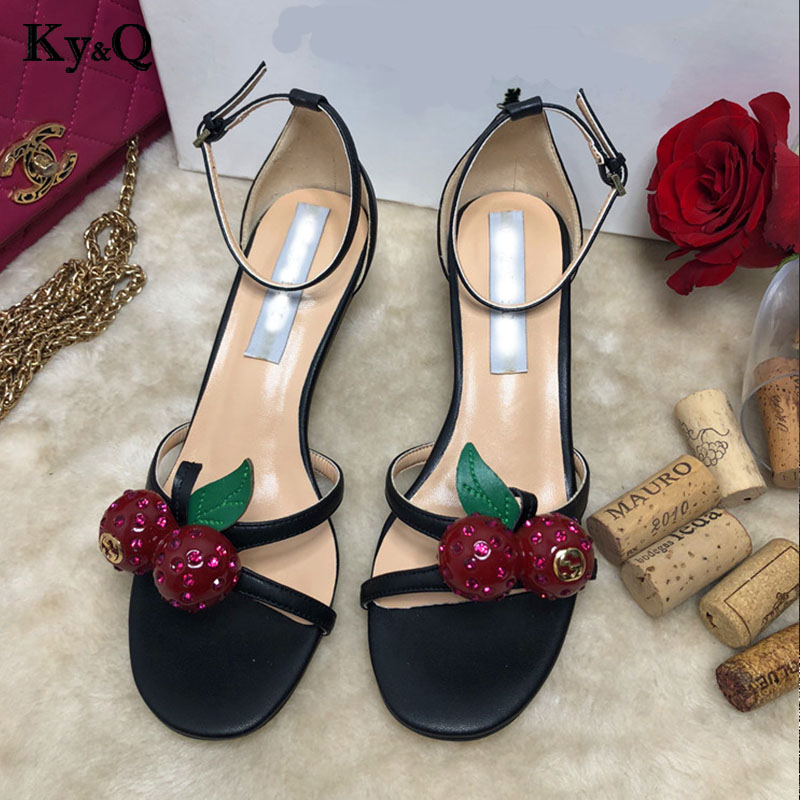 Spring Summer Fashion Party Sandals Women 2018 Cherry Diamond Med Heels Pointed Toe Shoes Female Thin Heels Buckle Strap Shoes все цены