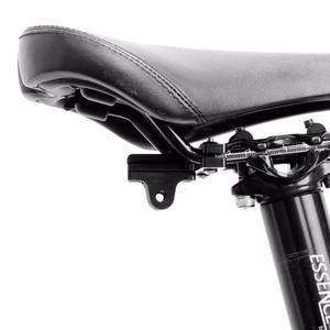 Image 2 - אלומיניום GoPro אביזרי אופניים אוכף רכבת מושב נעילת pro עבור גיבור 5 4 3 + 2 1 SJ4000 xiaomi yi GP284 מהדק אופני קליפ