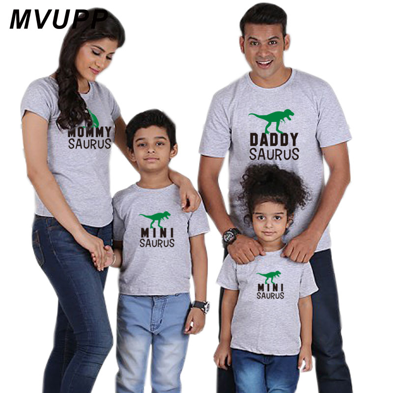 HTB1fYa2ac vK1RkSmRyq6xwupXaP father mother son daughter family matching clothes look outfits clothing t shirt mom mum daddy mommy and me baby girl mama dress