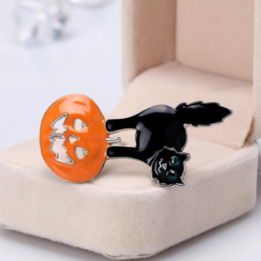 Black cat pin, The Great Cat Store