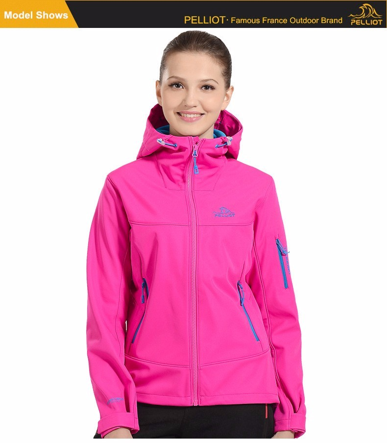 Women Hiking Windproof Softshell Jacket
