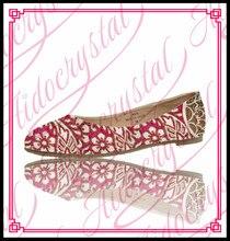 Aidocrystal Heißer verkauf kristall braut schuhe schöne rote hochzeit schuhe mit strass frauen flache partei kleid schuhe größe 12