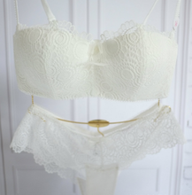 Romantic lace wireless cup young girl bra set