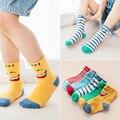 2017 niños calcetines sonrientes rodilla-altos calcetines de algodón de otoño e invierno los niños calcetines calcetines de bebé
