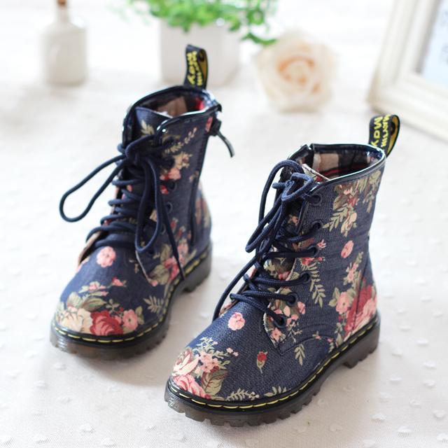 Niños libres del envío de las muchachas de la vaca resistente al desgaste muscular niño antideslizante Floral Denim Boots Kids Shoes 2 - 10 T