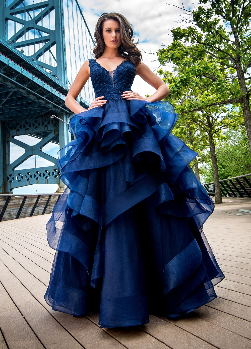 Hot Sale Royal Blue Tulle Tiered A-Line Prom   Dress   V-Neck Sexy Open Back   Evening     Dresses   Long Formal   Dress   Vestido de noche 2017