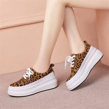 Купить с кэшбэком NAYIDUYUN    Vulcanized Shoes Womens Wedges Cow Leather Tennis Sneakers Low Top Party Oxfords Shoes Walking Loafers Casual Shoes