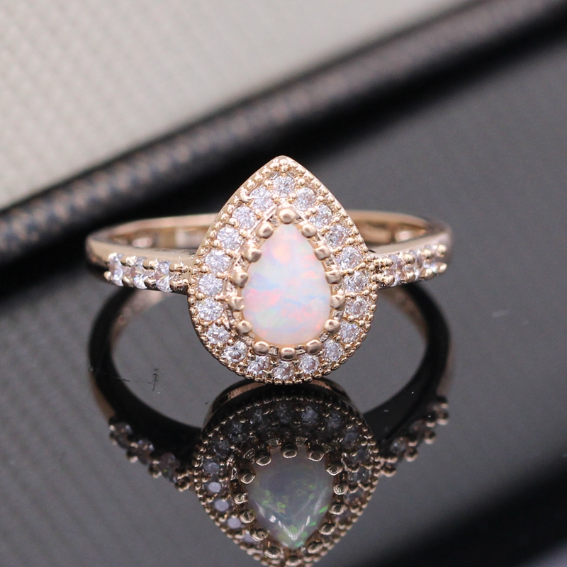 New Fashion Jewelry Water Drop White Fire Opal Zircon Champagne Gold Plated Ring Trendy Engagement Wedding