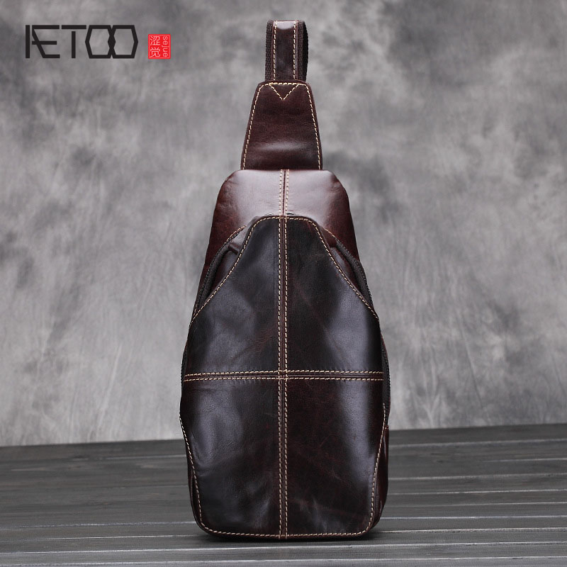 AETOO The new men 's chest bag leisure leather Messenger Messenger head of the first layer of cattle fur oil tide tide package the poison tide