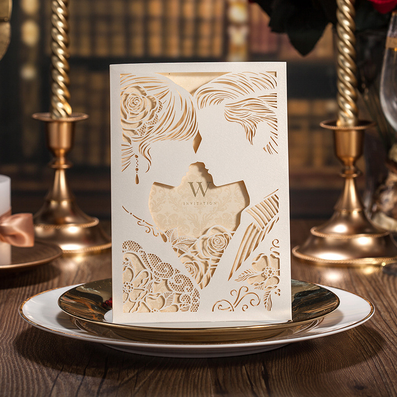 100pcs Laser tăiat alb Holly mireasa și mirele Kiss Invitatii de - Produse pentru sărbători și petreceri