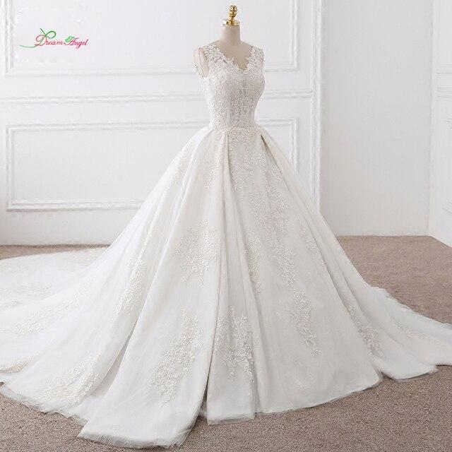Dream Angel Vestido De Noiva V Neck Lace Vintage Wedding Dresses 2018  Elegant Appliques Royal Train Tulle Bride Gowns Plus Size 262ae9e2226a
