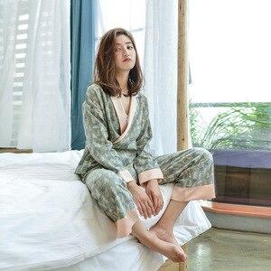 Image 4 - Herbst Langen Ärmeln 100% Baumwolle Pyjamas Schöne Cartoon Pijama Mujer Druck Pyjamas Frauen V ausschnitt Nachtwäsche Loungewear Pj Set