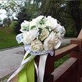 Bouquets de casamento 2016 Flor Branca com Fita Verde Acessórios de Casamento Da Noiva Da Dama de honra Flores Artificiais Bouquets de Noiva