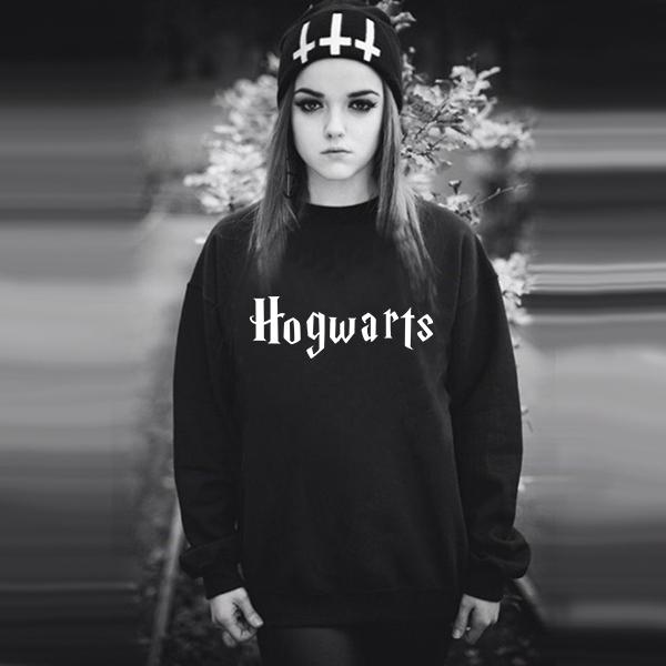 Sweatshirt Model hogwarts letter 2