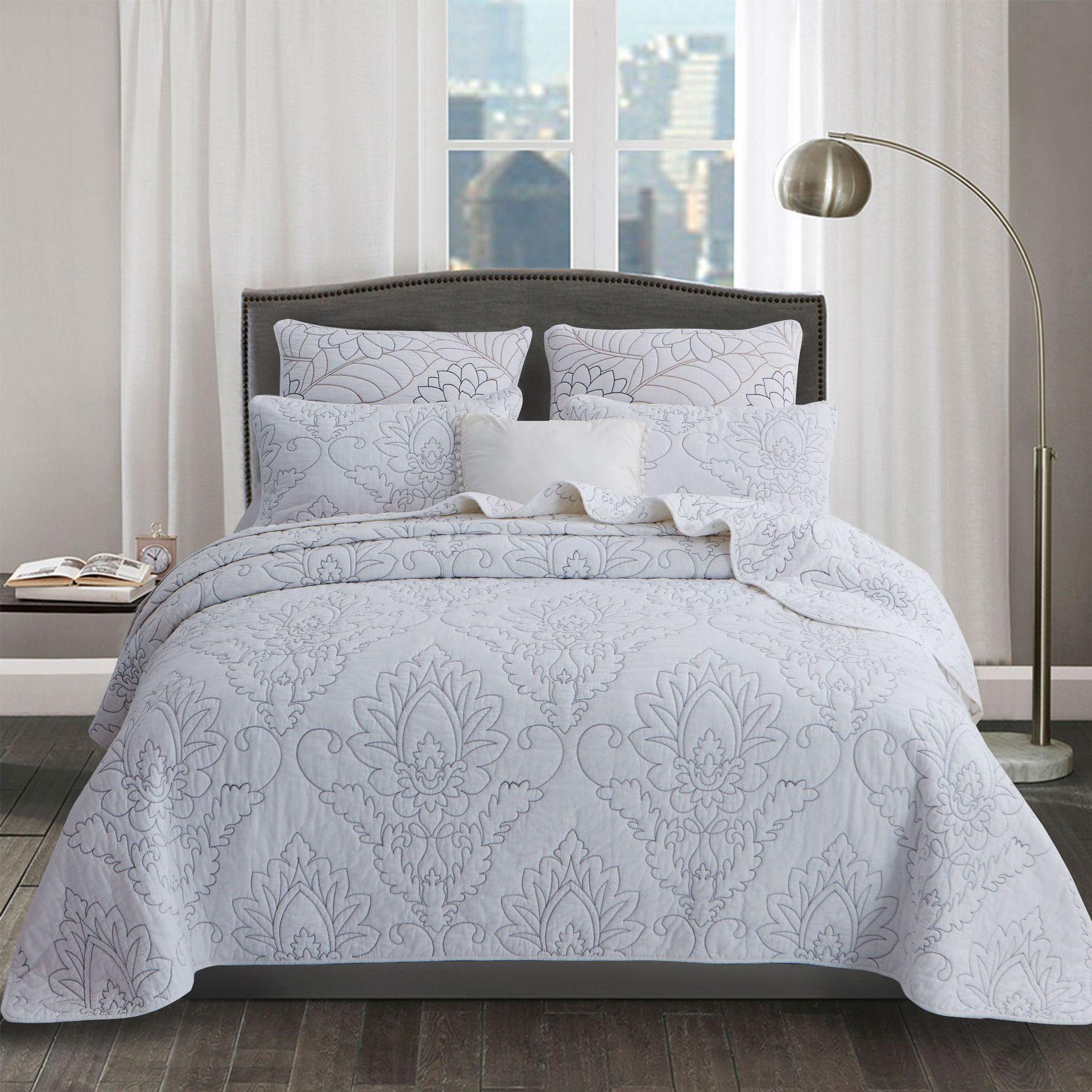 FAMVOTAR White Vintage Quilted Bedspread Sets Floral ...