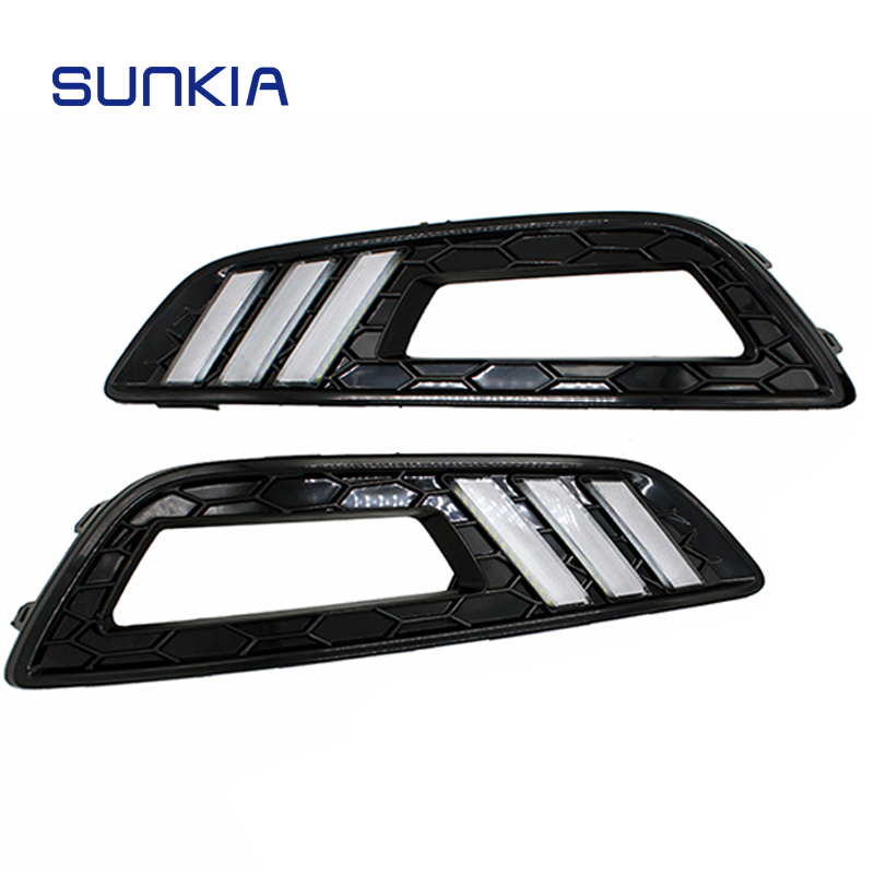 SUNKIA LED Car DRL Daytime Running Lights with Turn Signal and Dimmed Style with Fog Lamp Hole for Ford Focus 4 2015 2016 2017