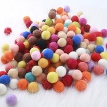 100 pcs 2 CM נפאל טהור צמר הרגיש כדורי צבעוני חרוזים דקור תינוק חדר תינוק מתנות DIY מלאכות אביזרי חג קישוטיםbeads mixbeads beadsbeads colorful