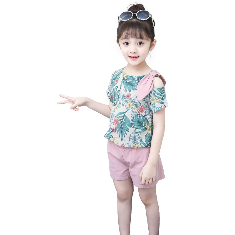 b60e76a5f62 2018 Summer Girls Print Clothing Set Bow T shirt+Pants Two piece Casual Clothing  Set Kid School Cute Set Kid Sport Clothes Hot-in Clothing Sets from Mother  ...