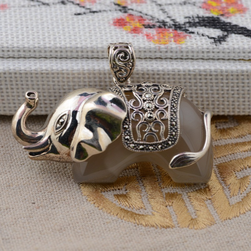 [silver] silver deer king S925 wholesale sterling silver pendant antique style female elephant new Chalcedony