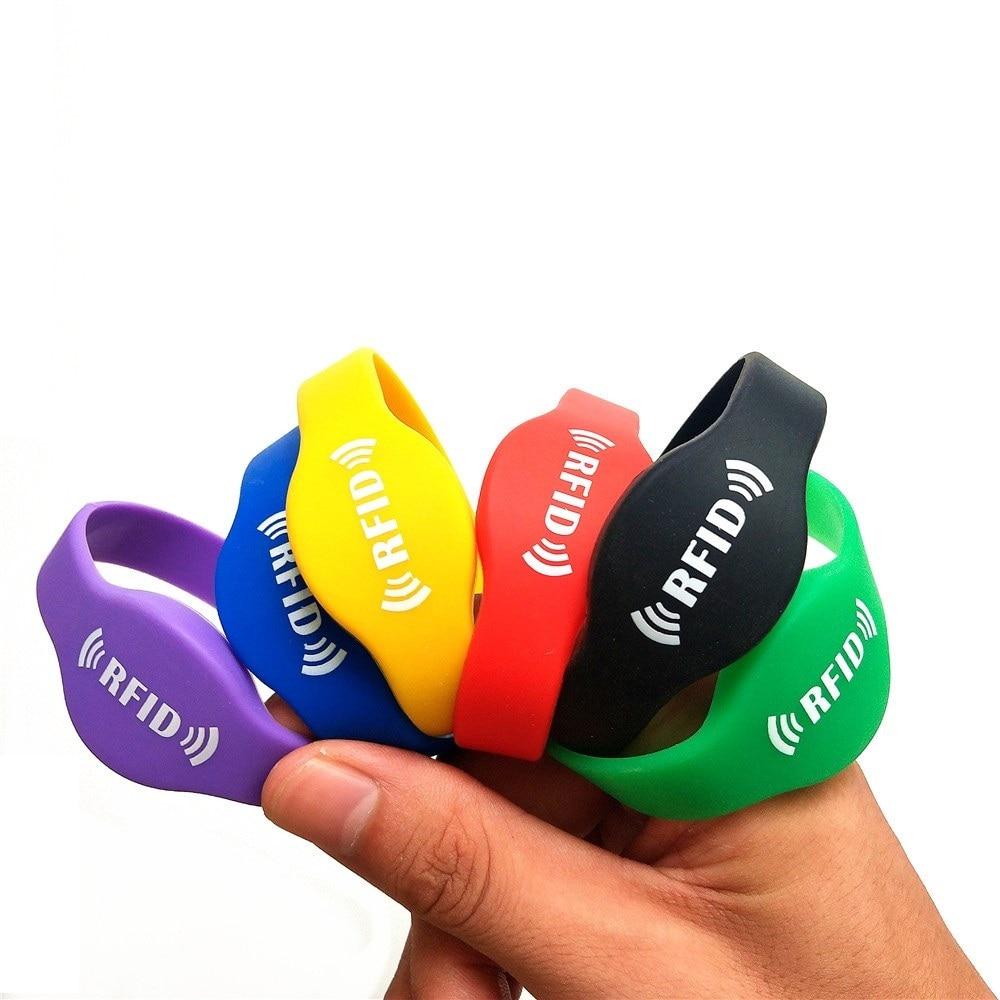 125khz EM4305 RFID Wristband Bracelet Rewritable ID Card For Swimming Pool Sauna Room