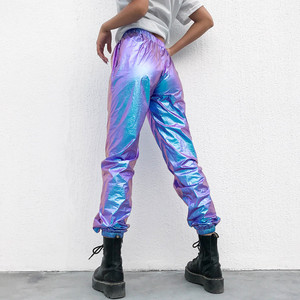 Image 2 - سراويل هولوغرافيك بنطلون للركض للنساء مع جيوب جانبية فضفاضة عاكسة سروال جديد الهيب هوب 2019 تصميم جديد 4XL