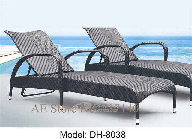 Mobili da giardino in rattan sdraio sulla spiaggia lounger patio ...