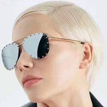 Горячая продажа new 2017 высокое качество сплава женщин солнцезащитные очки без оправы марка солнцезащитные очки овальный мода ретро-панк женщина солнцезащитные очки 65-16-140