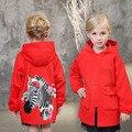С капюшоном с длинным пальто для больших девочка школа одежда карманы лошадь характер красные девушки тенденция пальто весна осень outwears 2017 новый