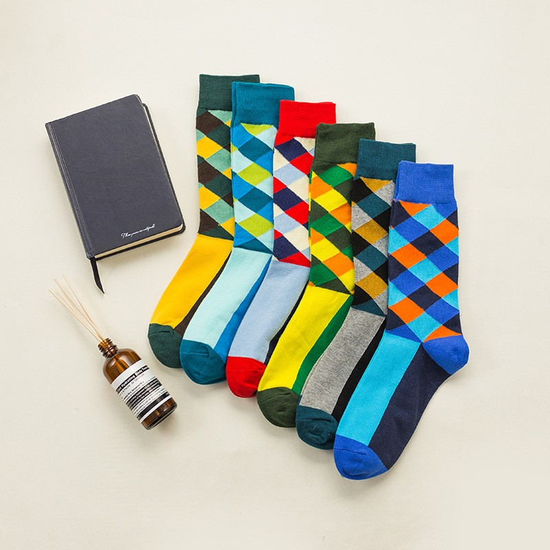 BORRUICE 2018 New England Wind Diamond Lattice Retro Hit Color Street Harajuku Influx Of Men Cotton Socks Long Tube Casual Socks