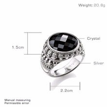 Oval Onyx Stone in 925 Sterling Silver Miniature Skulls Ring