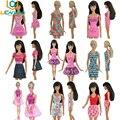 UCanaan Escolher Aleatoriamente 10 pçs/lote Boneca Conjuntos de Roupas Roupas Da Moda Ternos de Vestido Casual Para Babie Boneca Melhor Presente Brinquedo Do Bebê