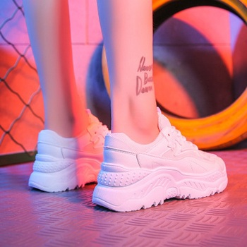 Women Shoes Breathable Chunky Sneakers Women Platform Vulcanize Shoes White Air Mesh Basket Chaussures Femme Casual Dad Shoes