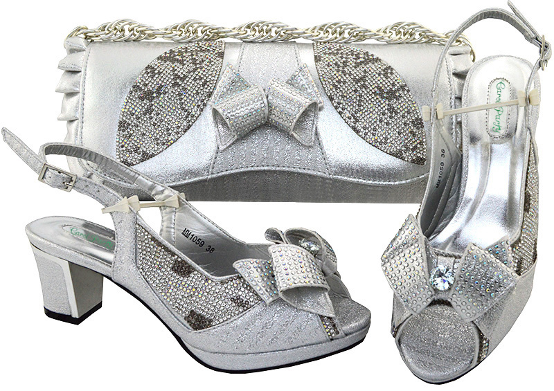 Aliexpress.com   Buy Nice Rhinestone Flower Italian Shoe and Handbag Set  for the African Shoe Party Matching with New Design Ladies High heel MM1059  from ... 6f6ff20a9e36