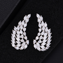 купить SisCathy Luxury Cubic Zirconia Stud Angel Wings Earrings Fashion Jewelry boucle d'oreille femme Earrings Jewelry Accessories по цене 967.85 рублей