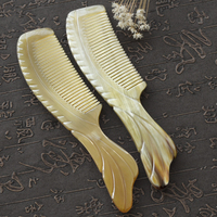 1PC Horn Horn Comb Natural Authentic Yak Horn Carving Fishtail Shape Comb Short Hair Comb G0416