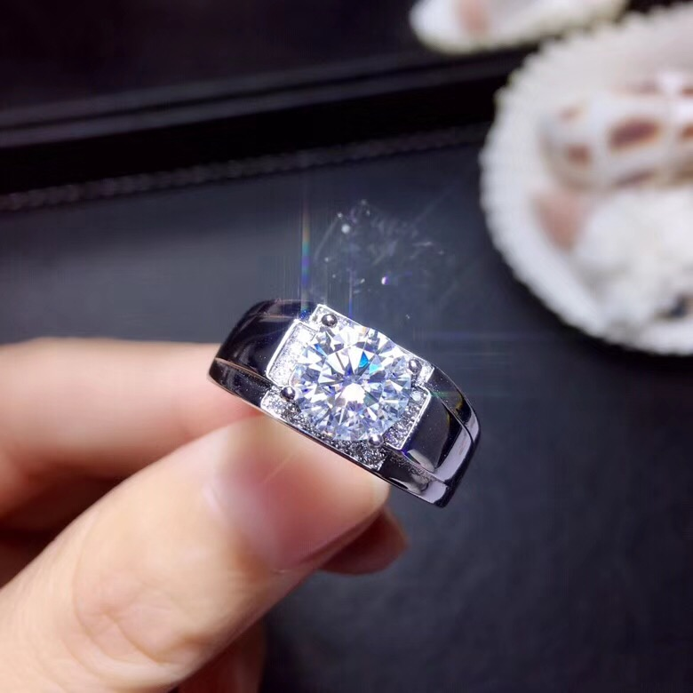 Moissanite  2ct  Hardness 9.3, Diamond Substitutes, Can Be Tested By Instruments. Popular Jewelry