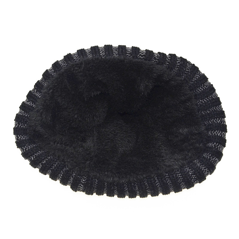 00236978 ... Material : Wool; Color : Black Red; Styles : Winter Hat Scarf set;  Size: 55cm-60cm