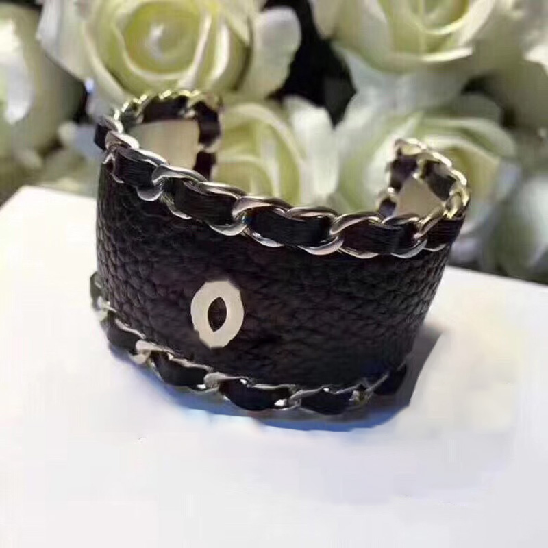 fashion brand ladies hot trend For women send opponents chain wedding party aristocratic pearl bracelet jewelry
