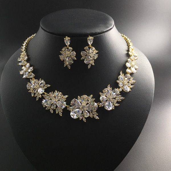 все цены на 2018 new fashion elegant retro crystal flowers zircon golden necklace earring set,wedding bride banquet dress dinner jewelry set