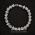 USTYLE White Gold Plated Four Leaves CZ Flower Connected Bracelet UB0025