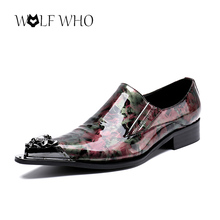 Men Dress Shoes Luxury Patent Leather Pointed Toe Red Flowers Printed Dress Wedding Formal Shoes Business Loafers Man