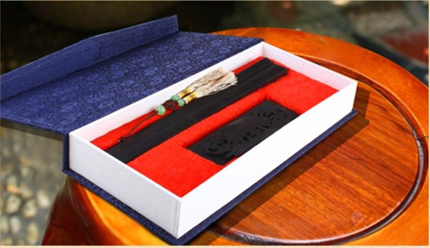 Rzeźbione drewniane składany wentylator wysokiej jakości chiński drzewo sandałowe rzeźbione kwiat ślub kolekcja prezenty rzemiosło składany wentylator w Ozdobne wachlarze od Dom i ogród na  Grupa 3