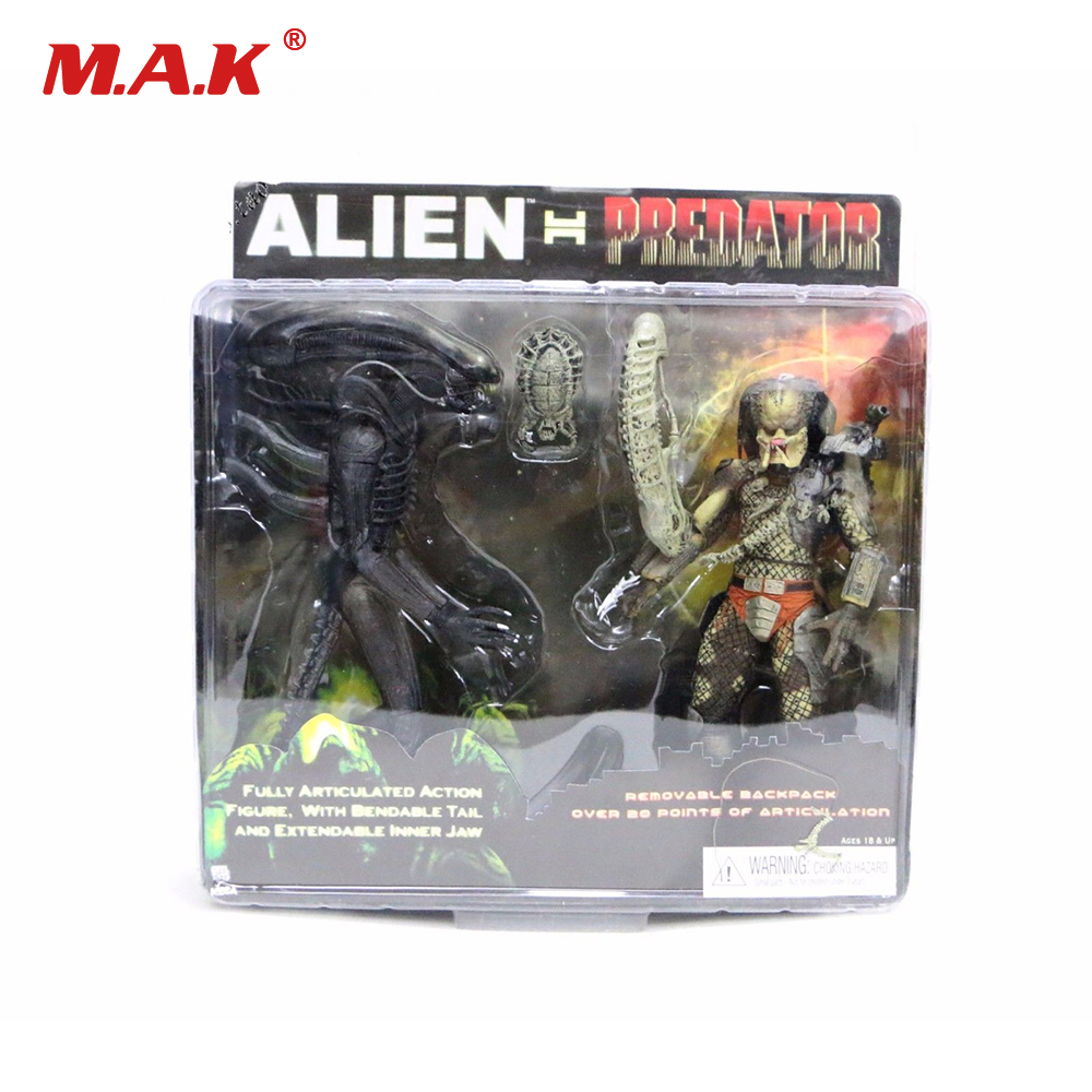 цена на 7 18CM NECA Original Alien VS Predator Theatrical Version 2-PACK PVC Action Figure Toy for Collection Gift