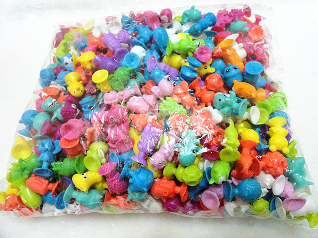 AILAIKI 100Pcs/lot Monster Sucker Dolls kids Animal Cupule Suckers Action Figure Toy Suction Cup Collector Capsule Model Puppets