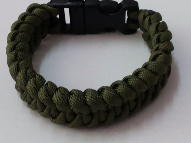 New Style Survival Parachute Cord Bracelets Bangles Outdoor Emergency Paracord Army Men Full Satinless